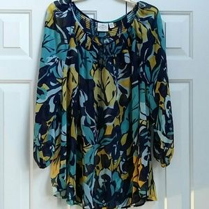 Pretty flowing tunic blouse.